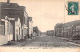 C P A 27] Eure  Le Neubourg La Rue D'Elbeuf - Le Neubourg