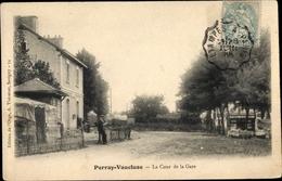Cp Perray Vaucluse Essonne, La Cour De La Gare - France