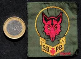 SCOUTISME - Ancien écusson Des Scouts Louveteaux De Belgique SBPB - Scudetti In Tela