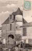 Le Poiré Sur Vie : Château Du Pont De Vie - Poiré-sur-Vie