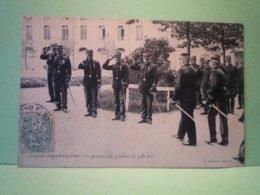 CPA Garde Republicaine Arrivée Du General Du Quartier - Frankreich