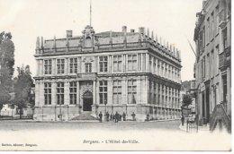 CPA - 59 - BERGUES - L'hotel De Ville - Animation - NORD  HAUTS DE FRANCE - Avesnes Sur Helpe