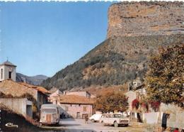 REMUZAT - Ancien Champ De Foire Et Le Rocher Du Caire - Automobile - Fourgon Citroën - Autres Communes