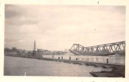Photographie Avril 1945 - Pont Flottant Provisoire Sur Rhin Entre Maximiliansau Et Karlsruhe - MILITARIA Guerre - Places
