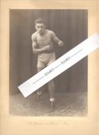 Photo Sur Carton ( +/- A4 ) Du Boxeur Joël CLAES Avec Dédicace - Boxe, Sportif En Maillot Torse Nu,..1926.(b264) - Sports