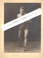 """Photo Sur Carton ( +/- A4 ) Du Boxeur """"peu Lisible, Dédicace Au Crayon""""- Boxe, Sportif En Maillot Torse Nu 1927.(b264) - Sports"""