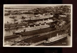 C2373 UNITED KINGDOM HAMPSHIRE - SOUTHAMPTON - VIEW OF THE DOCK FROM THE AIR WITH SHIP FERRIES PHOTOGRAPHIC POSTCARD - Southampton