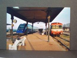 Avallon Autorails EAD Et TER En Janvier  2004 - Trains