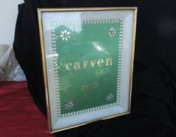 Ancienne Publicité Pour Carven, Vintage 1970, PLV Encadrée D'origine à Poser En Vitrine - Perfume & Beauty