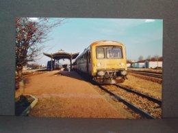 SNCF Avallon Autorail 4658 En Janvier  2004 - Trains