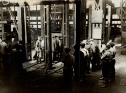 Colliery EXPLOSIONE YORKSHIRE    21*16cm MINERIA, MINIERE, MIJNBOUW, BERGBAU Fonds Victor FORBIN (1864-1947) - Profesiones