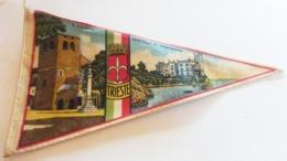 Italie )  Fanion Touristique  TRIESTE  S. Giusto Castello Di Miramare - Trieste