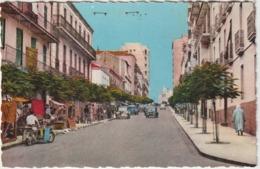 Algérie :  CONSTANTINE :  Boulevard   Victor  Hugo   (  Voiture - Moto ) - Constantine