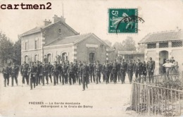 FRESNES LA GARE MONTANTE DEBARQUANT A LA CROIX-DE-BERNY GARE SOLDATS MILITAIRES 94 - Fresnes