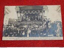 Voyage Des Souverains Belges à Paris En 1910 -  Le Roi Albert I, La Reine, Le Président Et Mme Fallières à La Tribune - Familles Royales