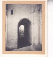 MAROC SALE Près De RABAT Rue Voûtée Près De La Médina Septembre 1921 Photo Amateur Format Environ 6,5 Cm X 4,5 Cm - Luoghi