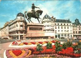 CPSM 45 (Loiret) Orléans - Statue De Jeanne D'Arc Par Foyatier Et Place Du Martroi - Orleans