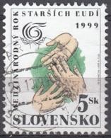 Slovensko 1999 Michel 342 O Cote (2009) 0.20 Euro Année Des Aînés Cachet Rond - Slovaquie