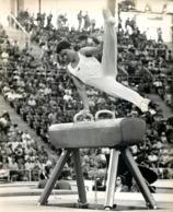 OLYMPIC GAMES MUNICH JEUX OLYMPIQUES 1972 MAUNO NISSINEN GYMNASTIQUE CHEVAL D'ARCON SPORT - Sport