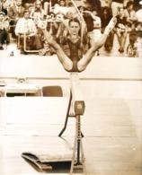 OLYMPIC GAMES MÜNCHEN JEUX OLYMPIQUES MUNICH 1972 GYMNAST KARIN JANZ G.D.R. OLGA KORBUT GYMNASTIQUE - Juegos Olímpicos