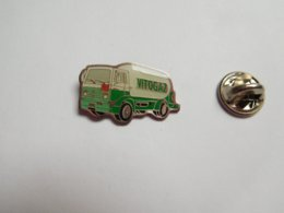 Beau Pin's , Transport Camion Renault , Citerne Gaz , Vitogaz - Transportation