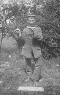 CARTE PHOTO ALLEMANDE  14-18 SOLDATS ALLEMANDS AVEC HARMONICA - Guerre 1914-18