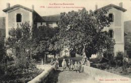 La Haute Garonne ARGUENOS  Le Groupe Scolaire Enfants RV - Francia