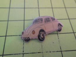 513c Pin's Pins / Beau Et Rare / THEME :  AUTOMOBILES / VW VOLKSWAGEN BLANCHE COCCINELLE - Volkswagen