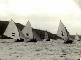 YACHTING ON SYDNEY HARBOUR AUSTRALIA 21*16CM Fonds Victor FORBIN 1864-1947 - Barcos