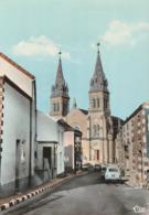 LES ESSARTS. - La Rue Principale Et L'Eglise. Très Belle Carte Dentelée - Les Essarts