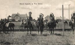 BLOOD SQUAWS IN WAR DRESS. - INDIOS // INDIANS - Indios De América Del Norte