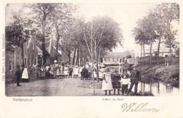 COLIJNSPLAAT 1903 ACHTER DE KERK MET DE DORPSJEUGD - MOOIE ANIMATIE - Pays-Bas