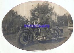 121411 ARGENTINA REAL PHOTO MAN WITH MOTO MOTORCYCLE GILERA NO POSTAL POSTCARD - Motorbikes