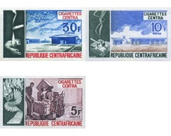 Ref. 194938 * MNH * - CENTRAL AFRICAN REPUBLIC. 1974. CENTRA SIGARETTES FACTORY . FABRICA CIGARETTES CENTRA - Tobacco
