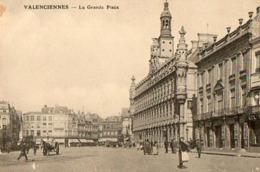 59 - VALENCIENNES - LA GRANDE PLACE - Valenciennes