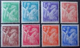 R1615/1262 - 1944 - TYPE IRIS - SERIE COMPLETE - N°649 à 656 NEUFS** - 1939-44 Iris
