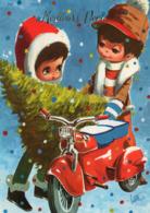 CP .. Carte Glacée   Bonne Année   . Enfants , Sapin De Noel , Scooter - Nieuwjaar