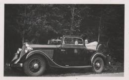 PHOTO (10.5x6.5 Cm) À SITUER DEUX FEMMES DANS UNE ANCIENNE VOITURE TAMPON VERSO ÉPERNAY (51) - Automobiles