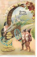Gnome, Gnom, Zwerg, Lutin, Kobold, Pushcart, Charrette à Bras, Coins, Münze, Flowers, Dorf, Village / Embossed, Gaufré - Nieuwjaar