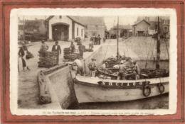 CPA - La TURBALLE (44) - Aspect De La Pinasse Arrivant Au Port Avec Une Belle Pêche De Sardines Dans Les Années 30 - La Turballe