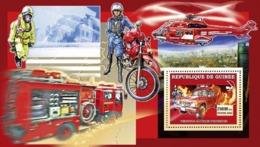 Guinea 2006 MNH - Vehicules Pompiers Japonais - YT 393, Mi 4455/BL1069 - Guinea (1958-...)