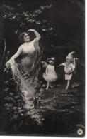 Woman, Femme, Frau, Child As Angel, Ange, Engel, Child As Gnome, Gnome, Lutin, Zwerg, Kobold - Donne