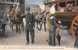 Thème   Police-Gendarmerie:     75 Paris  - Scènes Parisiennes. Agent Réglant La Circulation.    (voir Scan) - Sapeurs-Pompiers