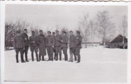 Foto Gruppe Deutsche Soldaten Im Winter - Osteuropa - 2. WK - 8,5*5,5cm (44025) - Krieg, Militär