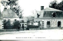 N°77023 -cpa Beaumont Les Autels (28) -la Gendarmerie- - Police - Gendarmerie