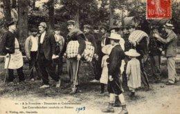 A LA FRONTIERE  - Douaniers Et Contrebandiers ........................... - Autres Communes