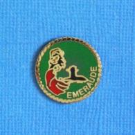 1 PIN'S //  ** S.N.A. ÉMERAUDE S604 / MARINE NATIONALE FRANÇAISE ** . (GF Groupe FIA) - Militaria