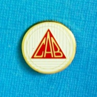 1 PIN'S //  ** CAB ** - Pin's