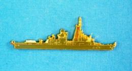 1 PIN'S //  ** CORVETTE D 614 A.A. CASSARD / MARINE NATIONALE FRANÇAISE ** . (J.Y. Ségalen Collection) - Militaria