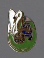 Pin's EGM 14/9 De Valenciennes - VBRG - Berliet VXB 170 - Cygne - Militaria